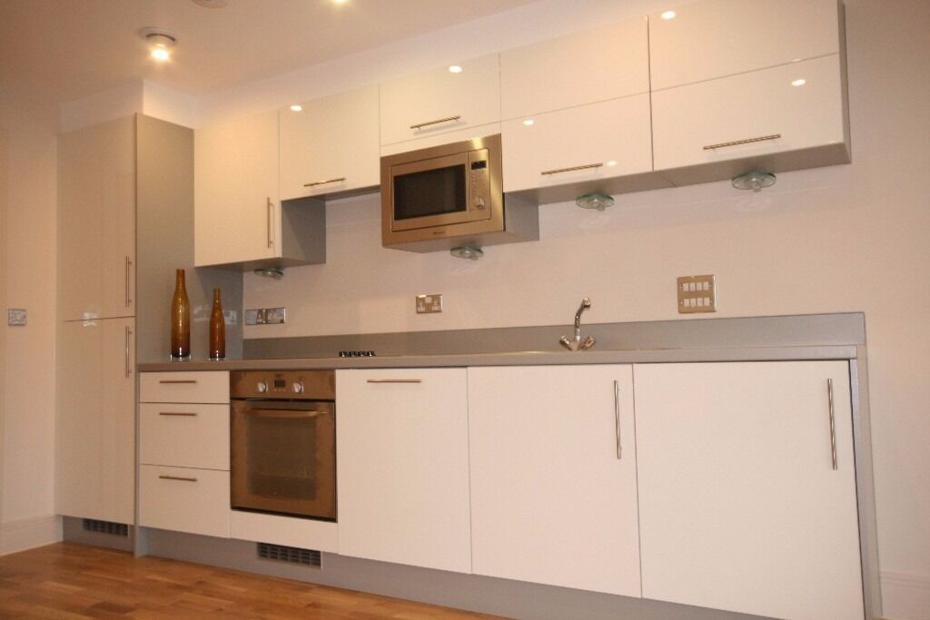 Modern 3 bedroom flat on Brixton Road