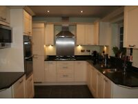 Used Good Condition Paula Rosa Kitchen with Granite worktops and all appliances included