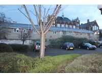 LARGE 1 BED APARTMENT IN MILE END **GATED PARKING**
