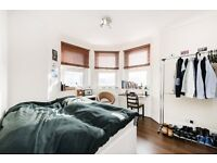NEWLY REFURBISHED 2/3 DOUBLE BEDROOM APARTMENT MOMENTS FROM KENTISH TOWN UNDERGROUND STATION