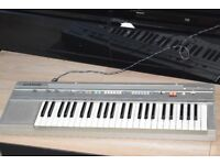 CASIO CT-350 KEYBOARD WITH POWER ADAPTER CAN BE SEEN WORKING
