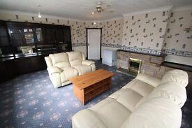 3 bedroom flat above commercial shop in Hebburn, Gateshead