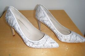 ONLY WORN ONCE- LADIES size 7 stiletto high heel shoes from DEBUT, for DEBENHAMS **REDUCED PRICE**