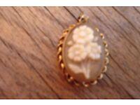 9ct Gold Cameo Pendant