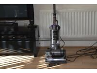 DYSON DC-33 ANIMAL/MULIFLOOR/UPRIGHT VCUUMCLEANER/GOOD SUCTION