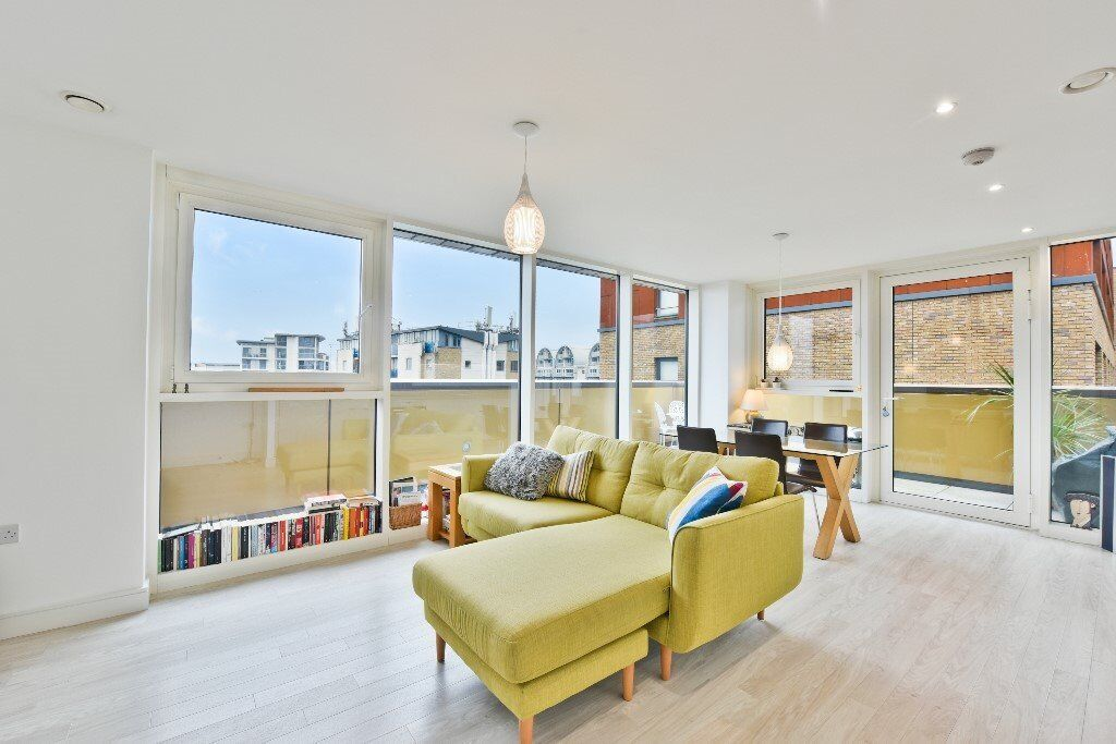 Luxurious one bedroom apartment in the beautiful Greenland Place development in Deptford LG01