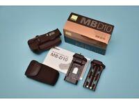 Nikon MB-D10 hand grip for Nikon D700/D300 cameras