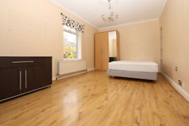 🌺 Canary Wharf • Double Room • available now • 0 Deposit Available •
