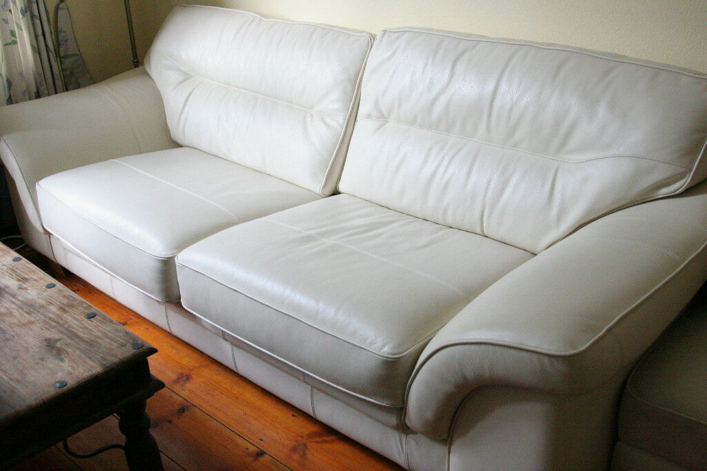 Cream sofa, 3 seater. Very good condition.Genuine, easy to ...
