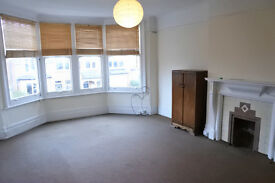 Fantastic 2/3 bedroom flat located on a prime road just off the Muswell Hill Broadway