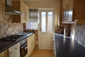 SPACIOUS 3 BEDROOM HOUSE AVAILABLE IN CHADWELL HEATH RM6!