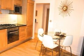 Nice 2 DOUBLE bedrooms flat with PARKING in the heart of Brentford,TW8