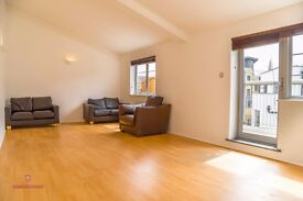 SPACIOUS 2 BED FLAT IN THE HEART OF SHOREDITCH - 415 PW