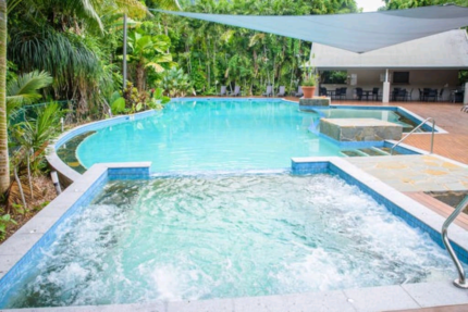 Fully furnished 3 bedroom apartment in the center Palm Cove
