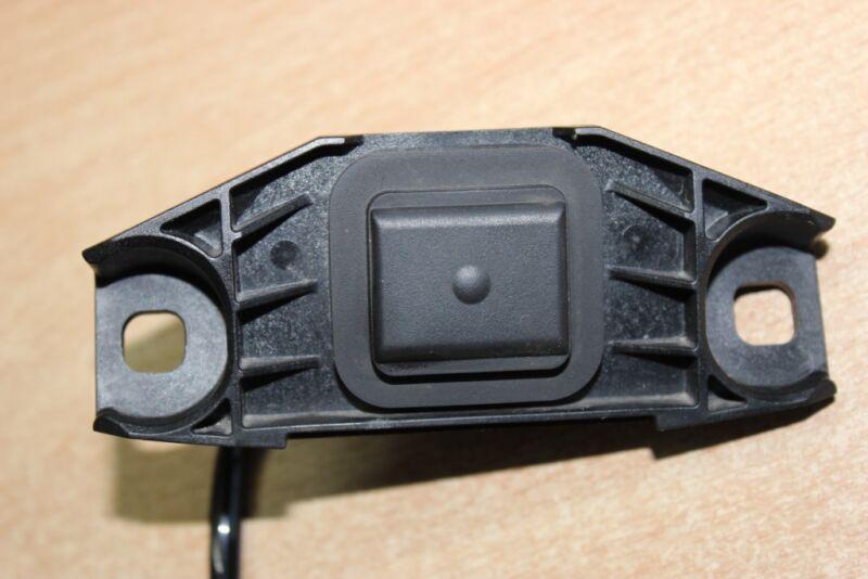2013 LEXUS GS 450H GWL10 / BOOT LID OPENER BUTTON