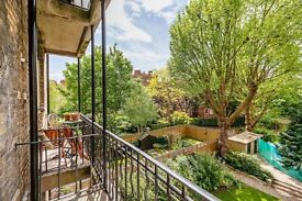 Gorgeous 3 bedroom Apartment in *Maida Vale* With private Balcony...