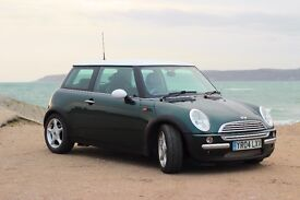 MINI Cooper Immaculate *VERY LOW MILEAGE* British Racing Green (BRG) White Roof Chilli Pack Leather