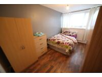 Limehouse: nice and comfy double and single room at Norbiton Rd, E14, Zone 2