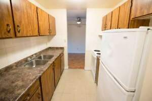 *INCENTIVES* 2 Bdrm w/ Balcony in West End!
