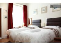 Royal Mile area Rooms short term 500 pounds per month per person Twin bedrooms
