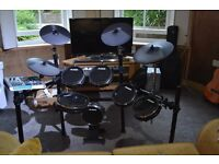 Alesis DM10 Studio E-Drum Kit + extra drum pedal