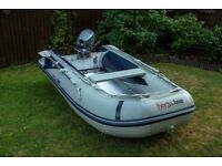 Honwave T30 - AEI with 8hp four stroke Yamaha outboard motor.