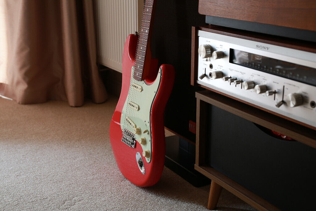Fender Stratocaster Classic Series '60s Nitrocellulose Lacquer Guitar -  MINT | in Potters Bar, Hertfordshire | Gumtree