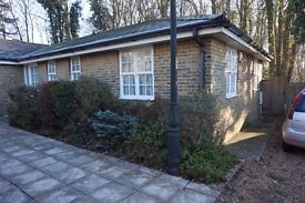 SHORT TERM LET AVAILABLE - 2 BEDROOM BUNGALOW ON BASSETT GREEN ROAD