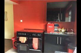 3 bedroom house in Aylesbury HP21, Spread the cost of moving with Amigo Home
