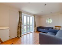 **STUNNING THREE DOUBLE BED FLAT CLOSE TO CAMBERWELL**