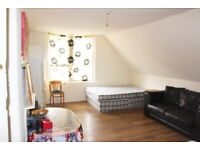 LARGE STUDIO ROOM TO RENT OFF NARBOROUGH ROAD, LE3