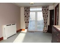 **YOUR HOME ON MANSFIELD ROAD IN ILFORD**