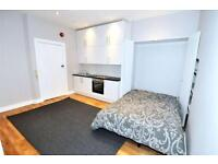 Studio flat in De Vere Gardens, High Street Kensington, London W8