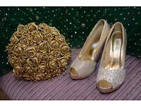 "BEAUTIFUL 9"" gold bouquet excellent condition"