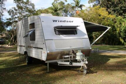 "2008 Windsor Genesis 17'8"" with Shower & Toilet"