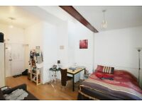 Fantastic spacious studio apartment located in vibrant holloway N7. Moments away from the Tube!