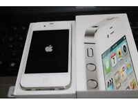 A WHITE IPHONE 4S 16GB & UNLOCKED TO ANY NETWORK & IN GREAT CONIDTION