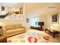 Spacious 4 Bed New Town Holiday Let