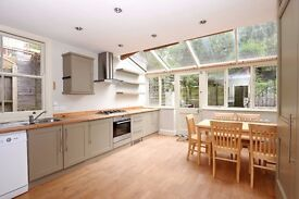 *** A stunning two double bedroom flat to rent with private patio, Christchurch Road, N8 ***