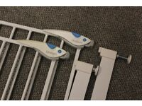 2 Lindam Deluxe Safety Gates