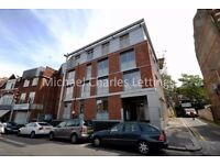 1 bedroom flat in Middle Lane, Crouch End, N8