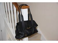 Large Radley leather handbag / hand bag / hold all. Quite new, not used much so like new condition