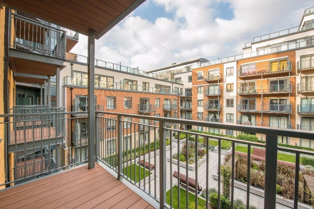 @ COLINDALE - STUNNING TWO BEDROOM MODERN APARTMENT - CLOSE TO STATION - HIGH END FINISH!