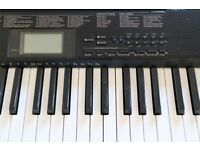 Casio CTK 1150 keyboard to sell, good condition, with packaging and stand
