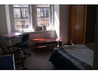 EXCLUSIVE PRICE spacious clean room in the heart of paisley