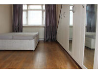 ALL INCLUSIVE TWO BEDROOM, SHARED KITCHEN, CLOSE TO TUBE