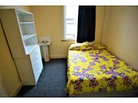 LARGE DOUBLE ROOM IN SEVEN SISTERS/ MANOR HOUSE - 4 MIN WALK STATION