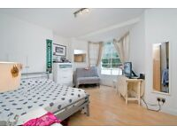 ATTRACTIVE GROUND FLOOR STUDIO APARTMENT SET IN A GATED MANSION BLOCK MOMENTS FROM CAMDEN TOWN