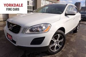 2012 Volvo XC60 T6 R-Design. Pano Roof. Clean
