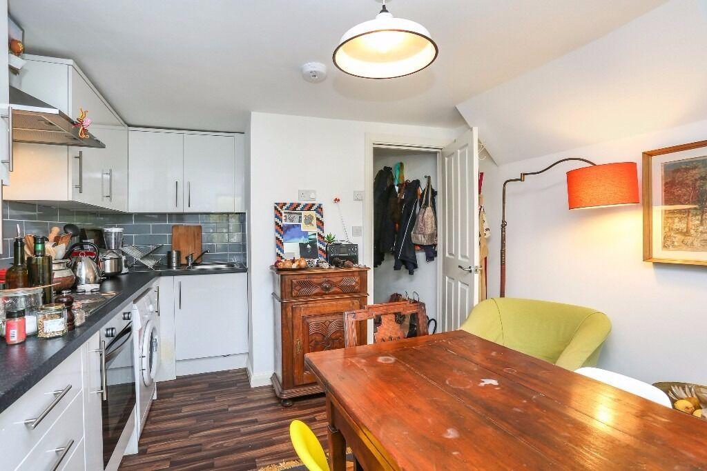 NEWLY REFURBISHED 1 bed flat on brooke road 2nd floor unfurnished STOKE NEWINGTON (clapton, hackney)